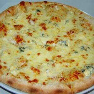Pizza Quattro Formagi