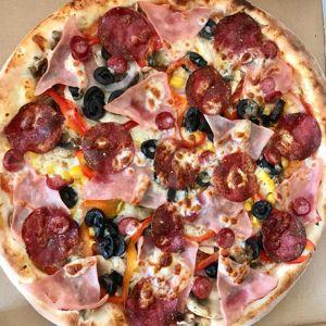 Pizza Suprema (cu de toate)